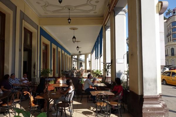 Uteserveringen på Hotel Inglaterra, Centro Habana, Havanna.