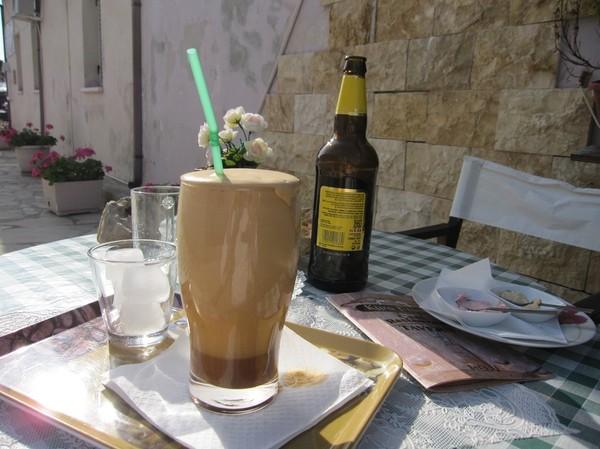 Frappe, den allra populäraste drycken på Cypern.