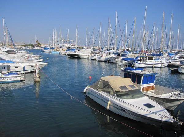 Båthamnen i Larnaka.