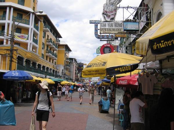Khao San Road årsmodell 2009. Alltid trevligt att komma tillbaka hit.