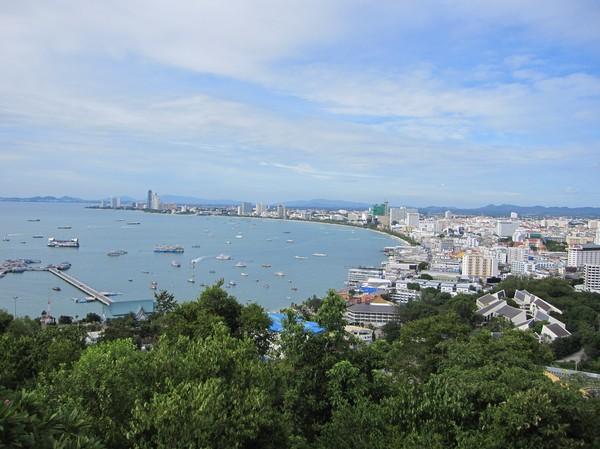 Bild över Pattaya från utsiktsplatsen söder om Pattaya beach.