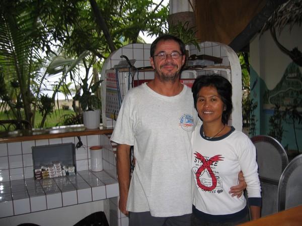 Francis och Zenaida, ägare av Bermuda beach resort, Sugar beach.