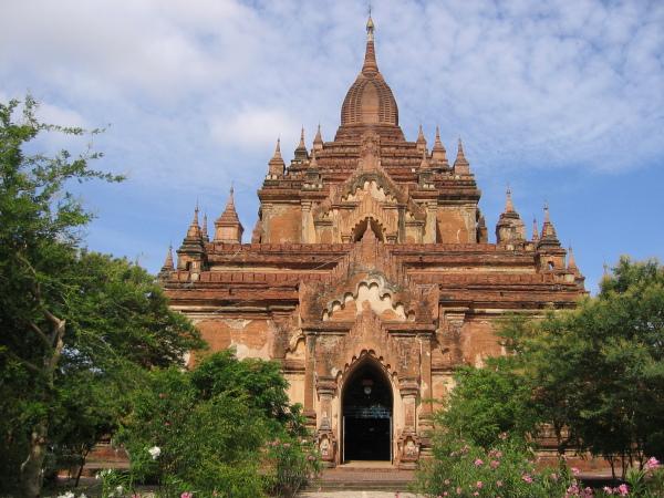 Klassiskt Bagan tempel byggt under mellan perioden, ca 1100 efter kristus.