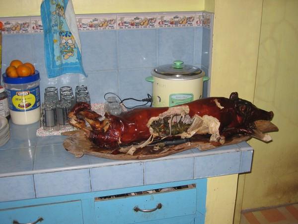 Lechon. Ung rostad/grillad gris som alltid finns med vid högtidliga tillfällen på Filippinerna, Iligan city.