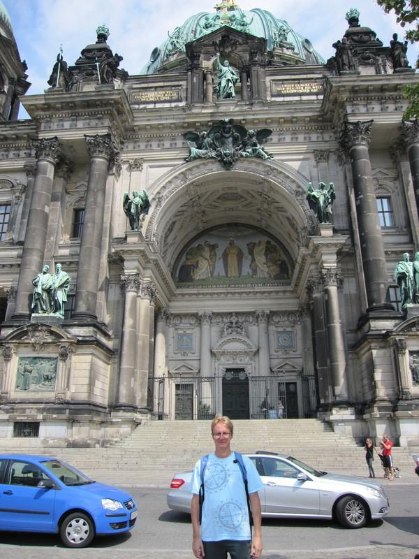 Stefan framför Berliner Dom, Berlin.