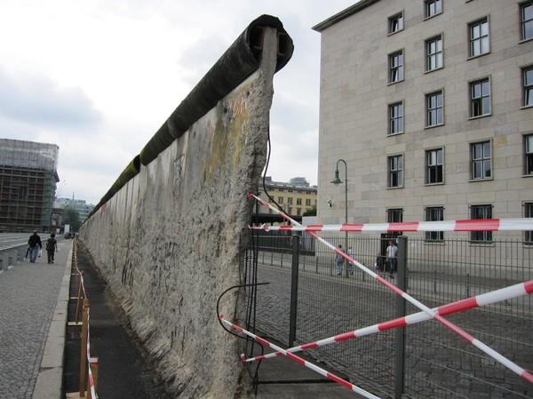 Del av muren i Berlin.