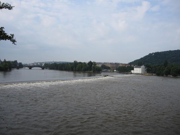 Bild från Charles Bridge i riktning söderut.
