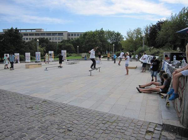 Skatare i en park i centrala Bratislava.