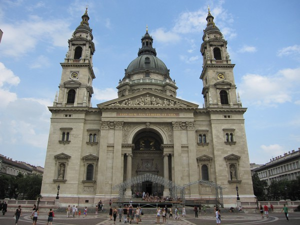 Den kolossala St Stephen's Basilica, Szent István tér, Pest, Budapest.