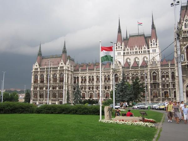 Parlamentet i Budapest, stadens största byggnad. Möjligen också den vackraste av dem alla! Nygotisk stil.