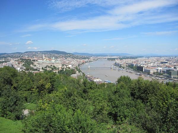Vy över Budapest från Gellert Hill.