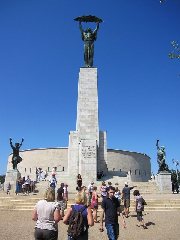 Liberty monument, Gellert Hill, Budapest. Restes som en hyllning till de ryska soldater som dog under liberaliseringen av Ungern 1945.