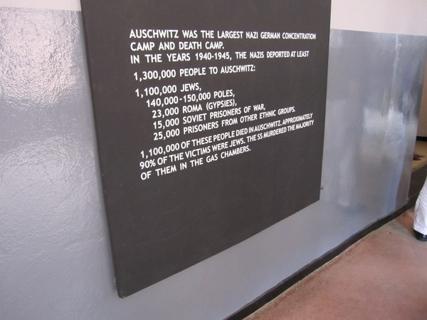 En ungefärlig sammanställning av hur många människor som mördades av nazisterna.