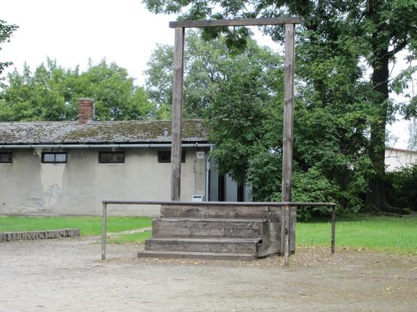 Platsen där Rudolf Höss hängdes den 16 April 1947. Platsen ligger vid krematoriet, Auschwitz I.