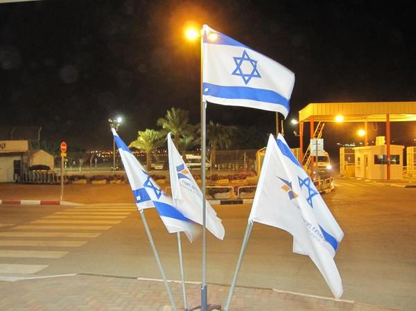 På väg ut ur Israel och in i Jordanien.
