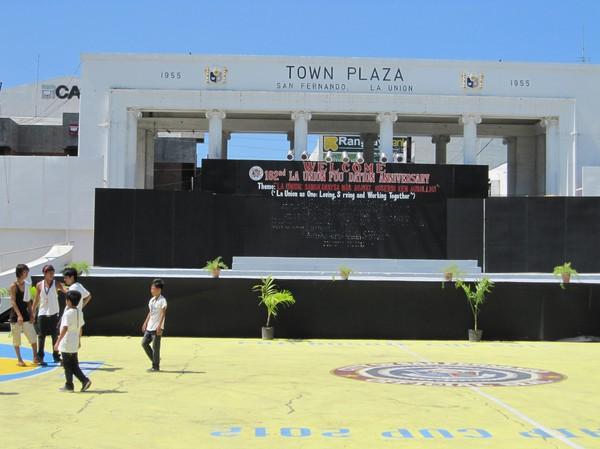 Centrala San Fernando. Town Plaza, San Fernando, La Union.
