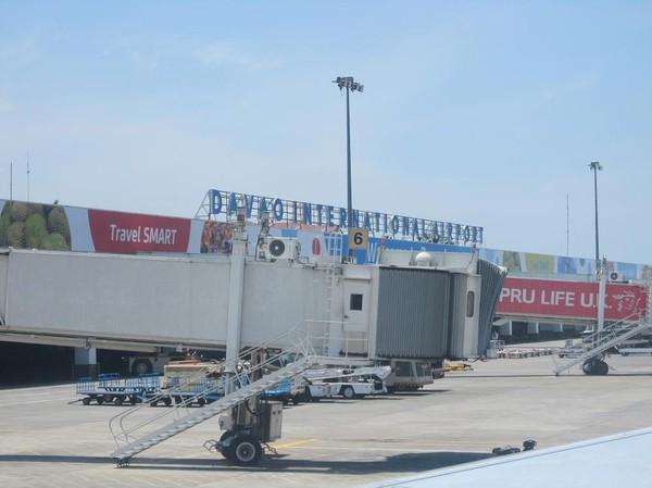 Precis efter landningen på Davao international airport.