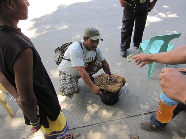 Honungsförsäljning Lipata port, Surigao city.
