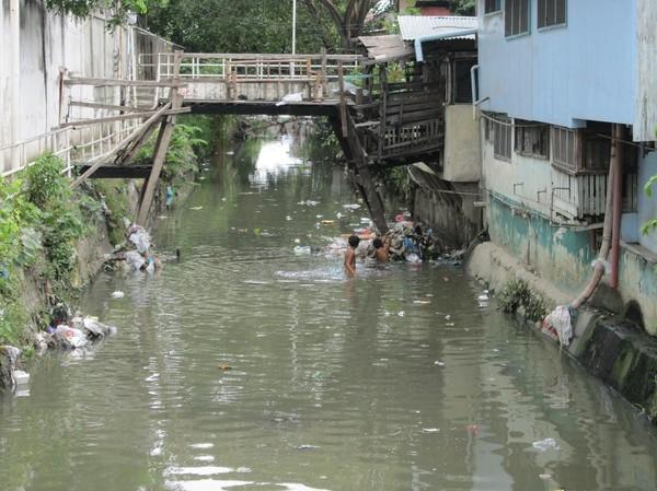 En av de vackra vattenvägarna i downtown Cebu city.