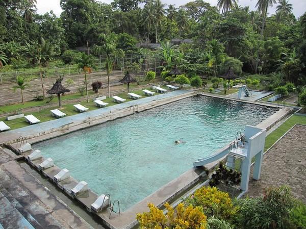 Swimmingpoolen, Pousada De Baucau, Baucau, Timor-Leste.