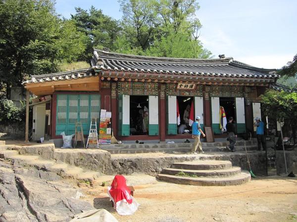 Shamanist tempel, Mount Ingwansan.
