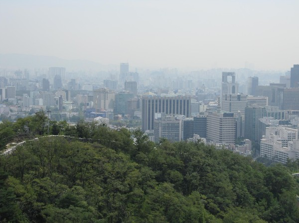 Ett försök att fånga en del av Seoul Metropolitan Area. Det var inte så lätt! Kanske försöker på nytt imorgon igen!