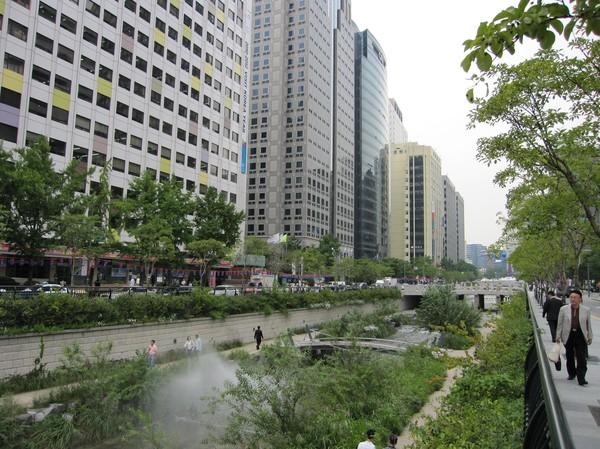 Cheonggyecheon Stream, Seoul.