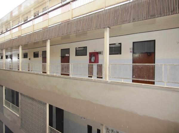 Kings Hotel. Hotellet jag bor på i Udon Thani som mer ser ut som ett fängelse!