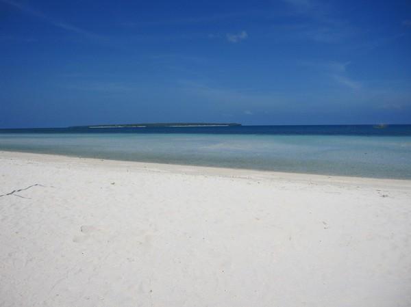 Det är svårt att få nog av stränderna här på Bantayan island.