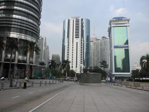 Ytterligare skyskrapor vid Petronas Towers.