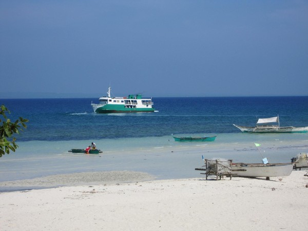 Färjan på väg från Bantayan island till Cebu island.