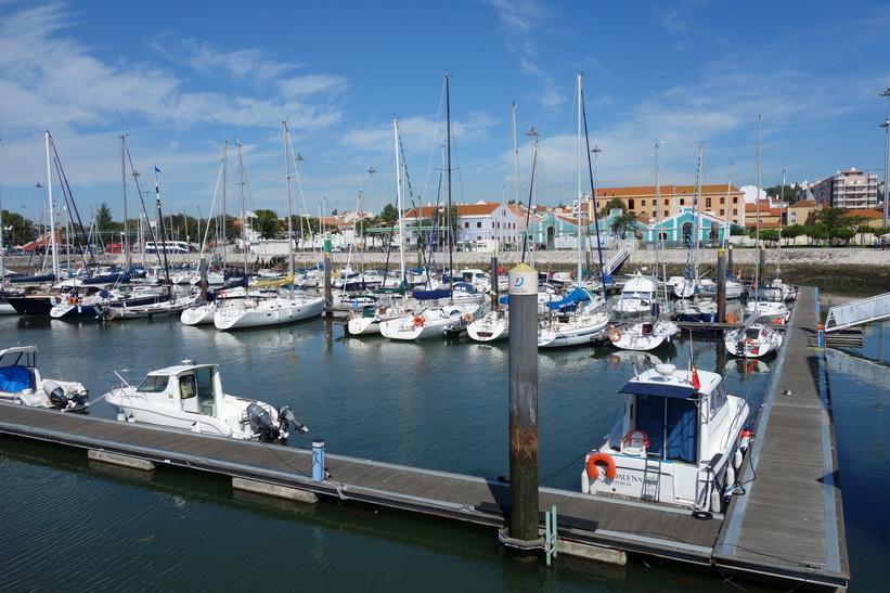 Båthamnen vid Torre de Belém, Belém, Lissabon.