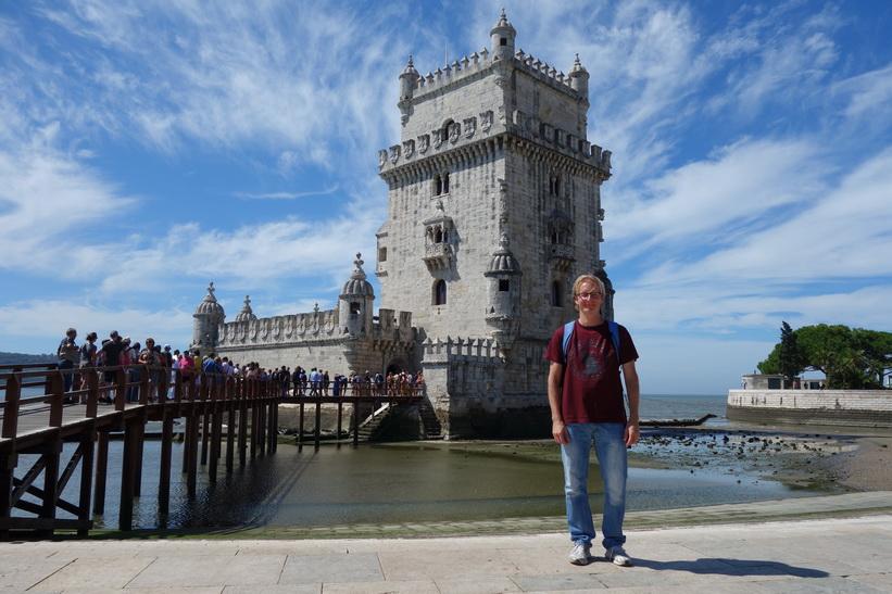 Stefan framför Torre de Belém, Belém, Lissabon.