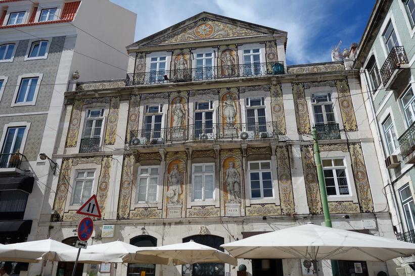 Vacker arkitektur i Lissabon.