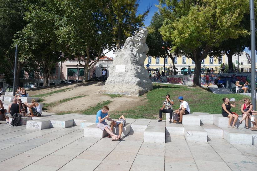 Miradouro de Santa Catarina (här röktes det en och en annan joint), Lissabon.