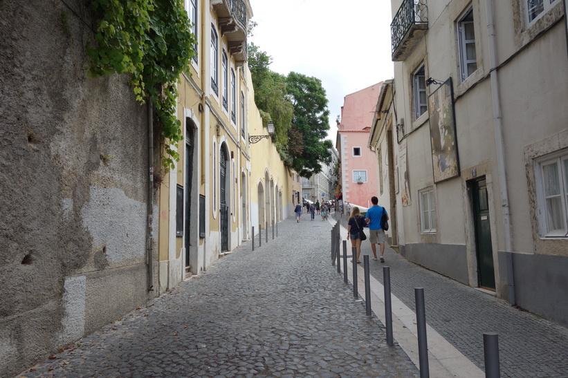 På väg upp till Castelo de São Jorge, Lissabon.