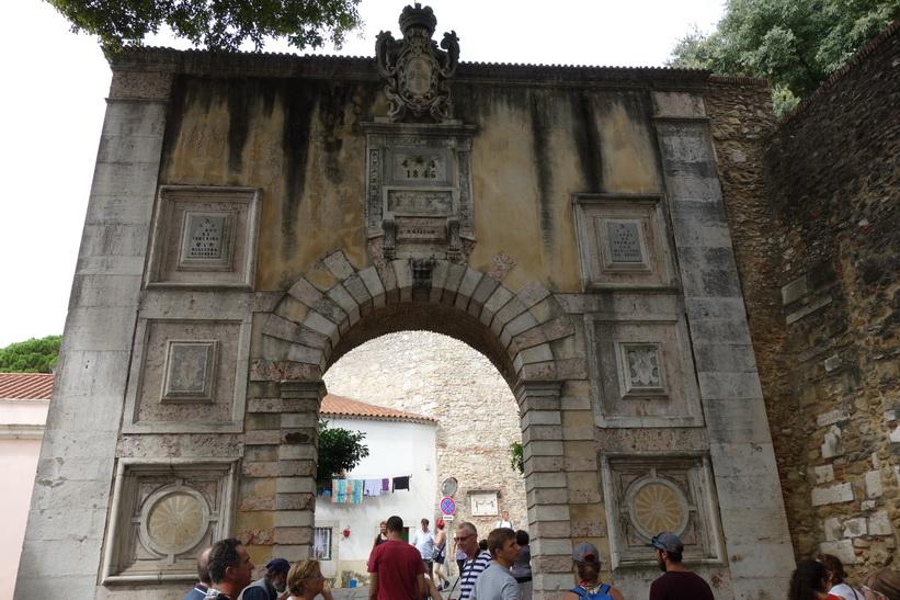 En av entréerna till Castelo de São Jorge, Lissabon.