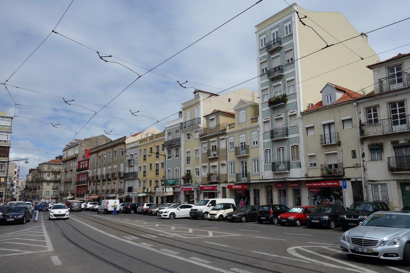 I närheten av Miradouro da Graça, Lissabon.