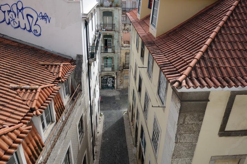 Intressanta arkitektur vid Katedralen Sé, Lissabon.