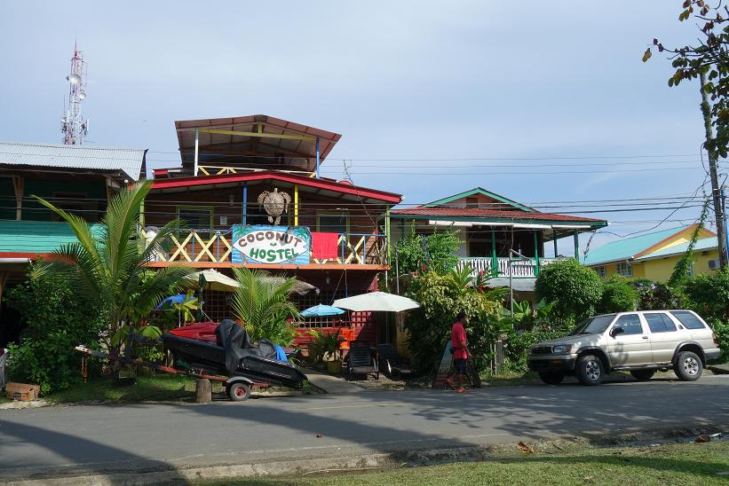 Typiskt hostel i Bocas Town, Bocas del Toro.