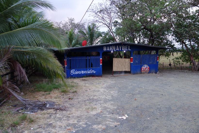 Så här ser de lokala barerna ut i trakten kring Santa Catalina.