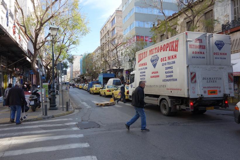 Gatuscen i centrala Aten.