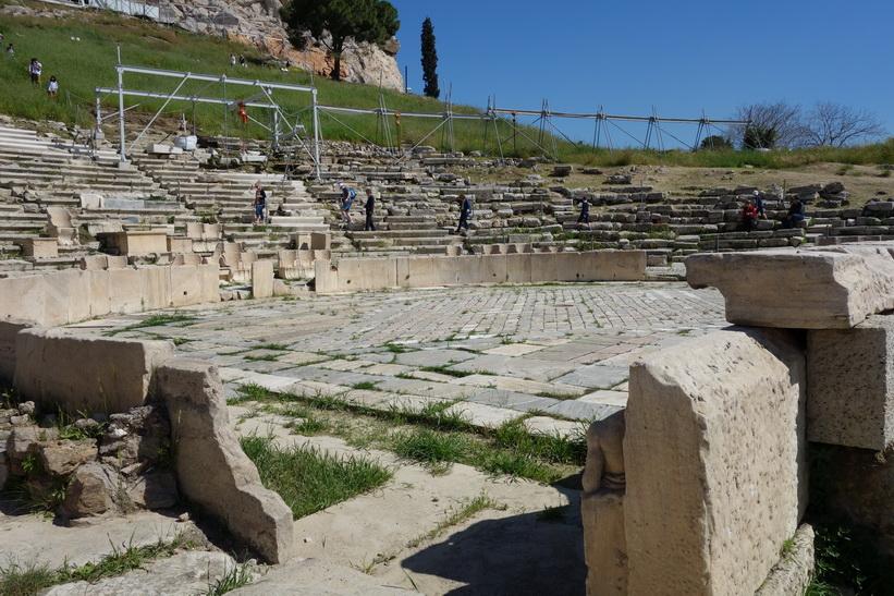 Dionysosteatern, Aten.