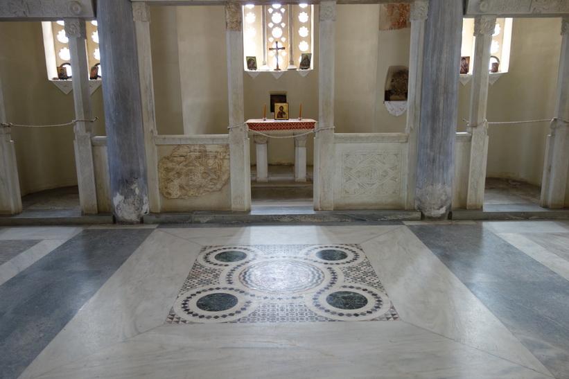 Inne i kyrkan av de heliga apostlarna, antika Agoran, Aten.