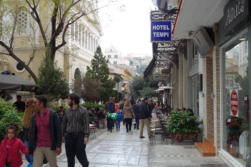 Folklivet längs gatan Aiolou, Aten.