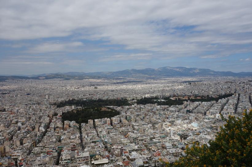 Utsikt över Aten från Lykavittóskullen.