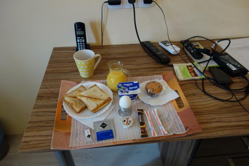 Bra service med frukost på rummet i Kyiv.