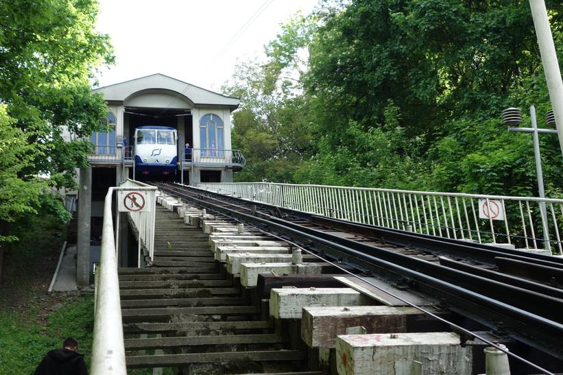 Bergbanan som är byggd 1905 och förbinder över delen Kyiv med stadsdelen Podil.