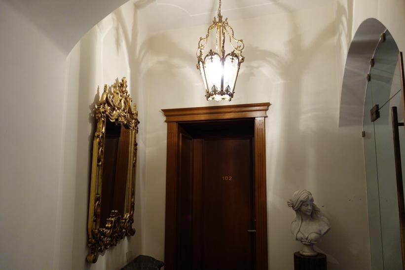 Utanför mitt hotellrum på Am Ring, Sibiu.