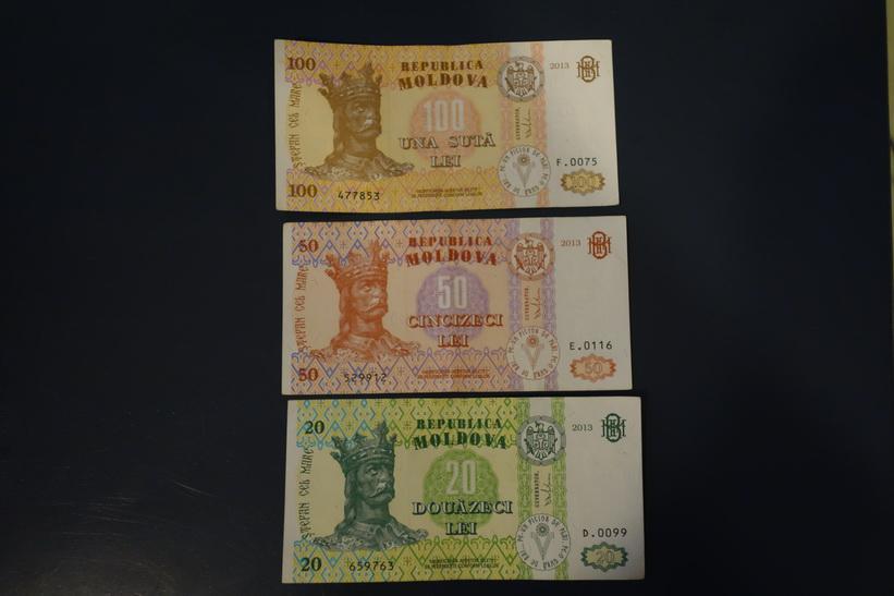 Moldaviska sedlar.